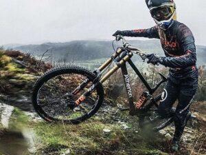 Atherton Bikes 3D Printed Titanium Lugs on Their Customized Bikes